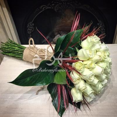 دسته گل رز سفید