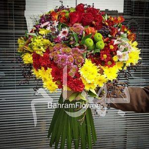 دسته گل رنگی با گل های فصلی