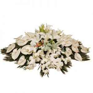 سبد گل تخت سفید